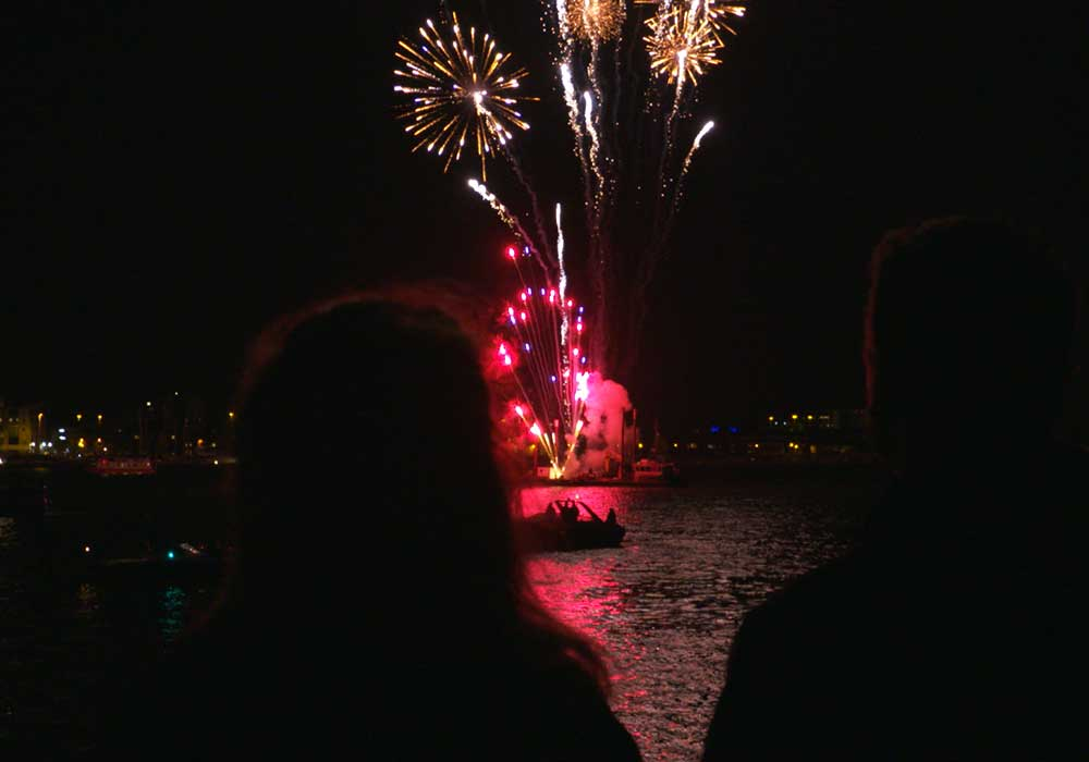 Fireworks cruise - City Cruises Poole
