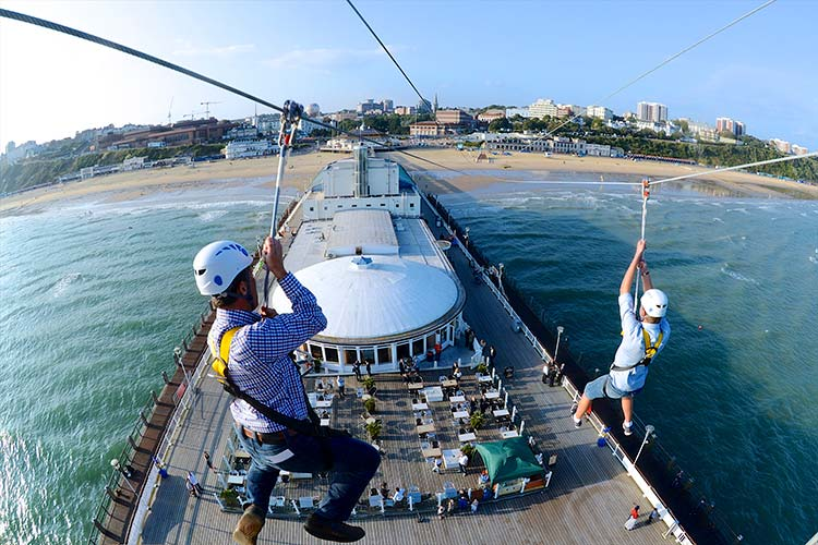 Flying over Bournemouth Pier on Pierzip